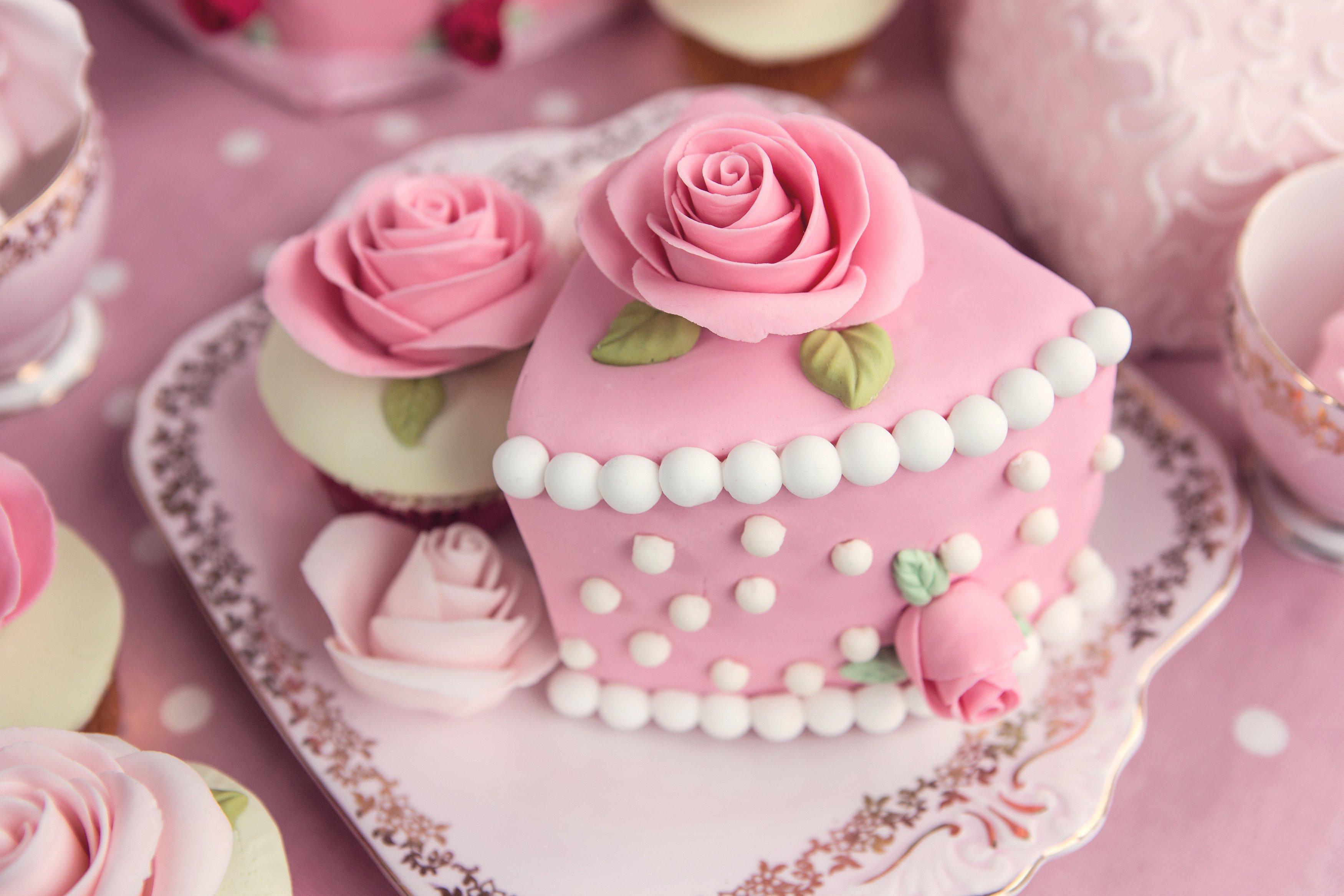 100x100_404213GJJq_cath-kidston-inspired-cakes.jpg