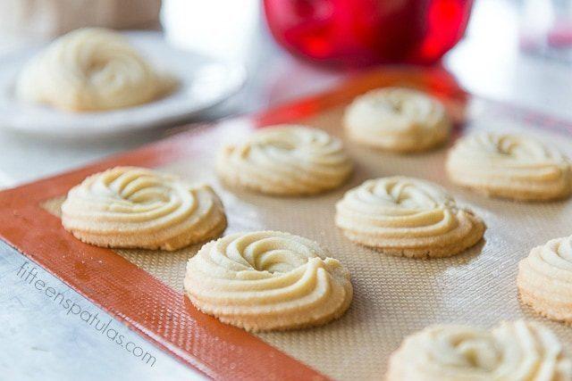 Butter_Swirl_Cookies_Fifteen_Spatulas_-640x427.jpg