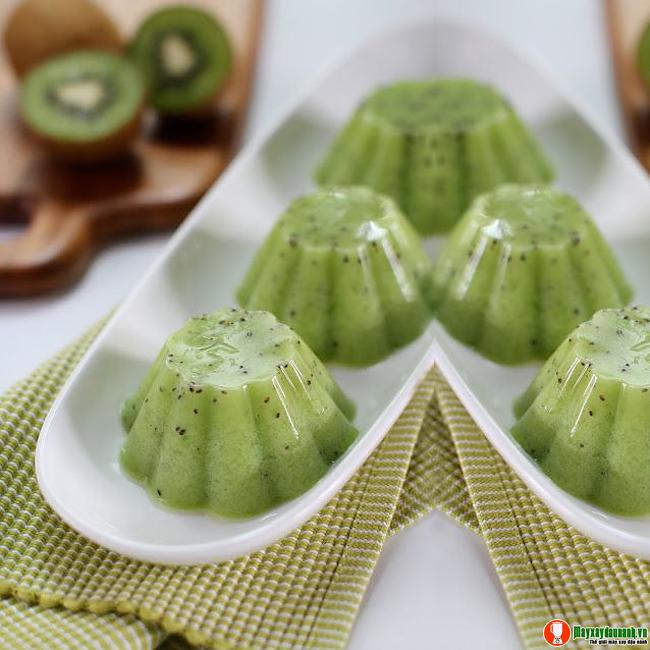 Cach-lam-thach-kiwi-chua-ngot-giau-vitamin-voi-may-xay-sinh-to-2.jpg