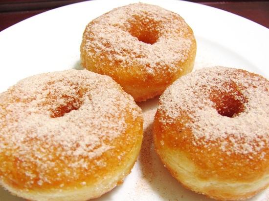 cach-lam-banh-donut-khong-can-lo-nuong-1.jpg