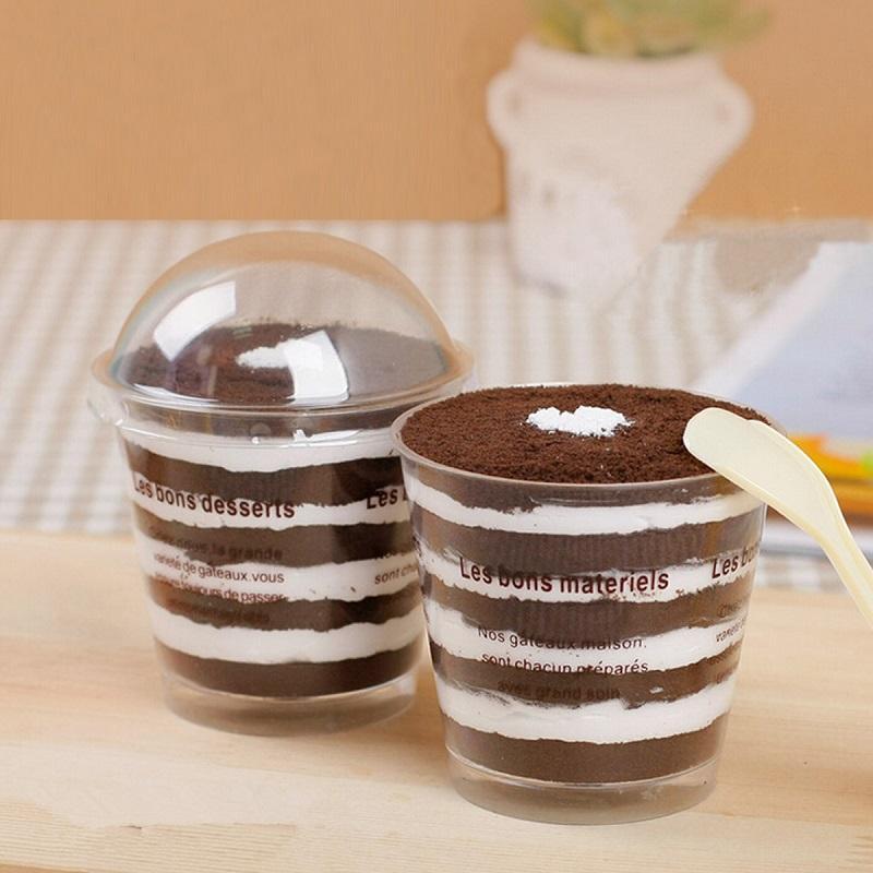 plastic-round-dome-lid-spoon-tiramisu-muffin.jpg
